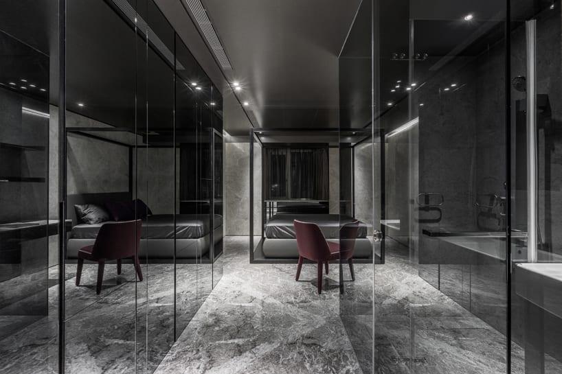 modernes schlafzimmer einrichten- kleiderschrank mit Spiegeltüren-flur mit schränken