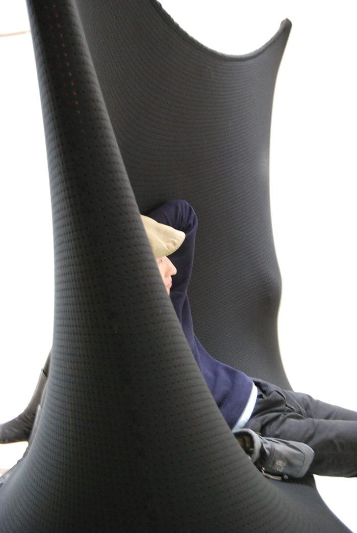 sofa und wand aus membran