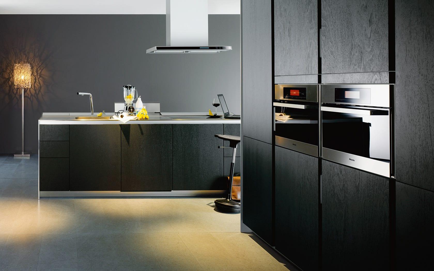 küche mit kochinsel in schwarz-küchen aktuell