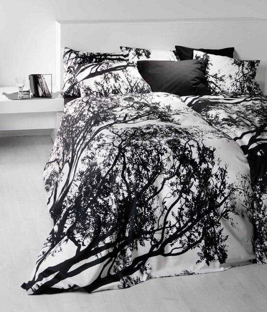 schlafzimmer gestalten in weiß und schwarz - bettwäsche mit doppelseiten