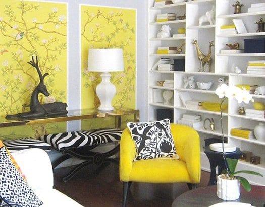 Wand streichen idee- gelber stuhl- weiße wandregale- wande deko-zebra stuhl