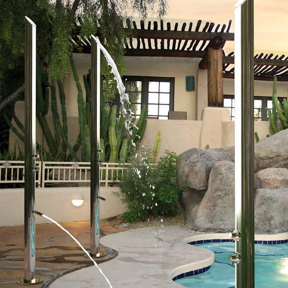 runde Metallröhre für outdoor dusche
