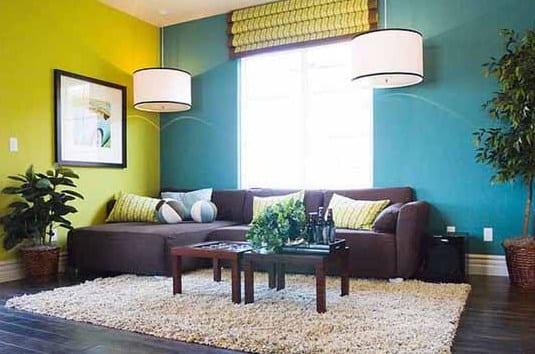 Elegant Blaue Wand   Pendelleuchten  Holzboden Ecksofa. Wohnzimmer ...