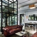 moderne inneneinrichtung mit weißen Wänden und Holzbodenbelag-Restaurant Gestaltungsidee