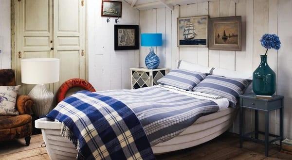 Maritimes schlafzimmer mit bett aus wei em boot freshouse - Maritimes schlafzimmer ...