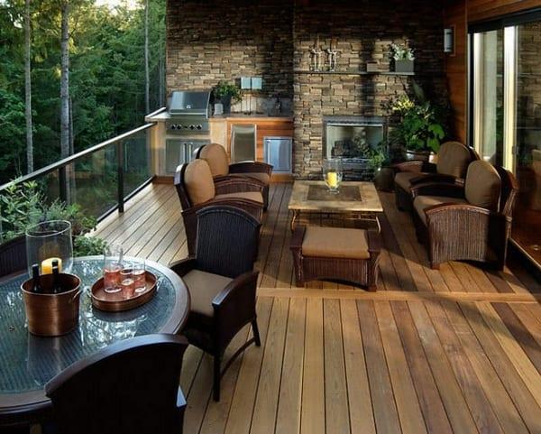 terrasse einrichten mit Küchenzeile und kamin- Gartenmöbel für die terrasse