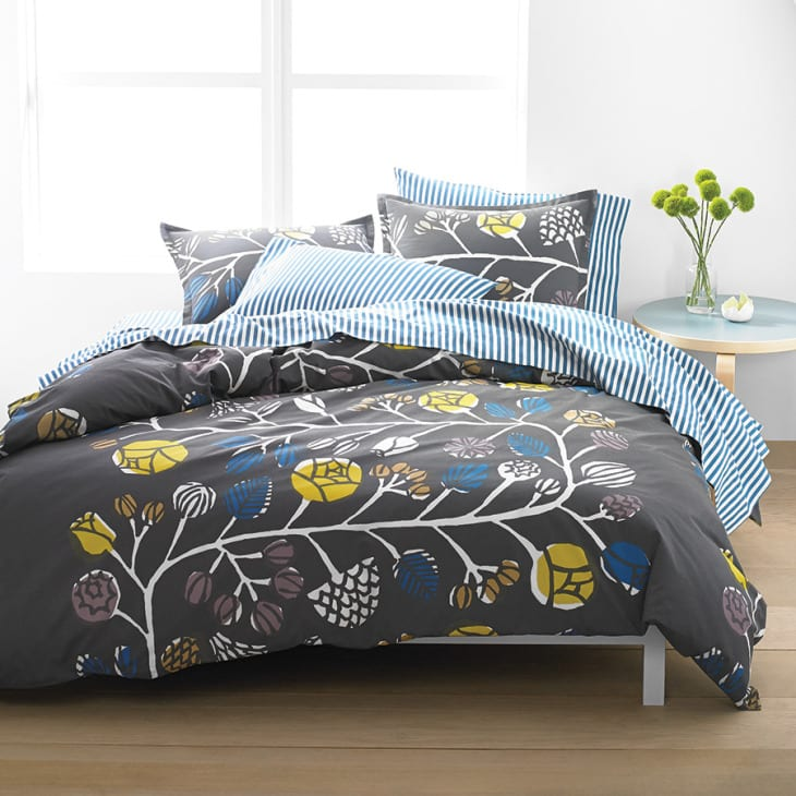 schlafzimmer gestaltung - Bettwäsche mit doppelseite- graue bettwäsche