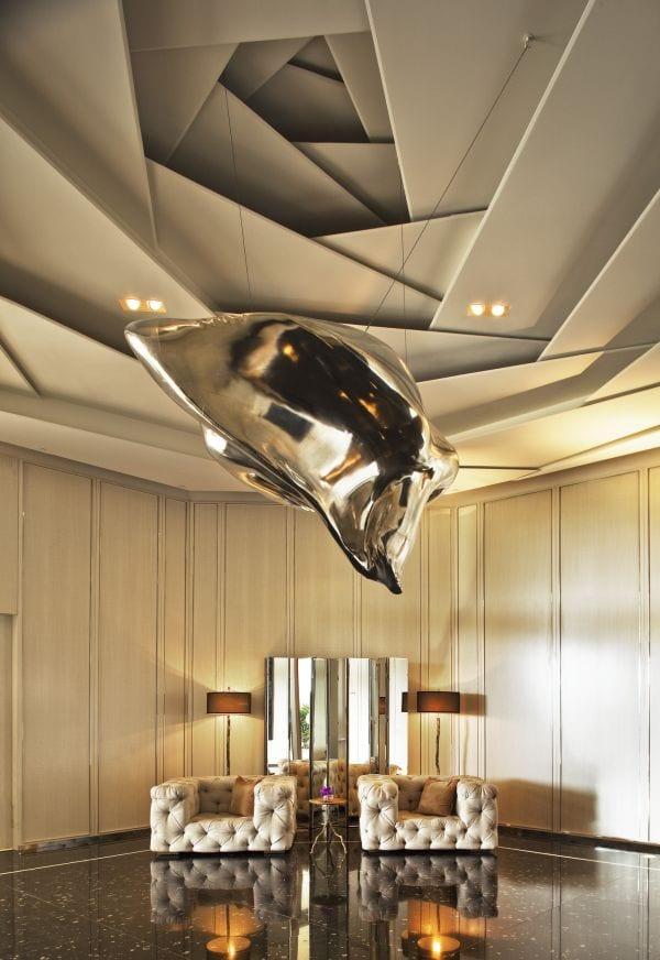 luxus interieur design- ledersessel in beige