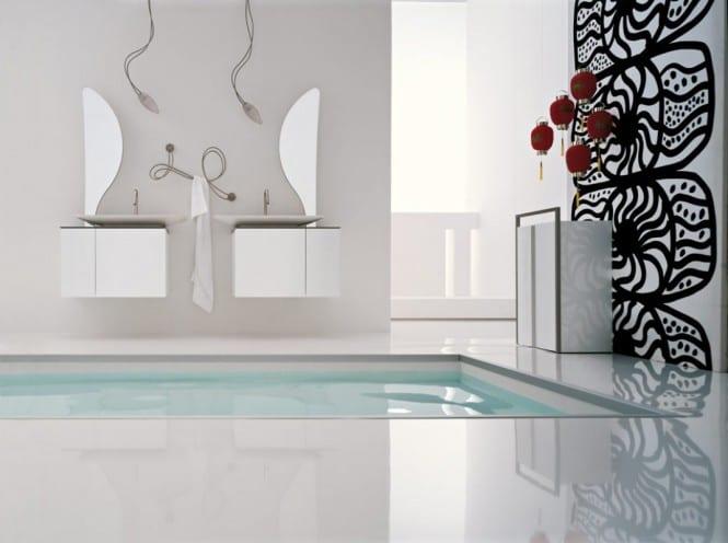 Badezimmer  mit doppel waschtischen in weiß- Badezimmer spiegel- Wanddeko badezimmer