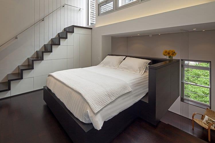kleines Schlafzimmer einrichten- mezzanin gestaltungsidee- indirektes Licht im schlafzimmer