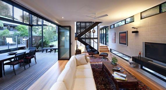 offener Wohnraum gestaltung mit schiebetürwand zur terrasse