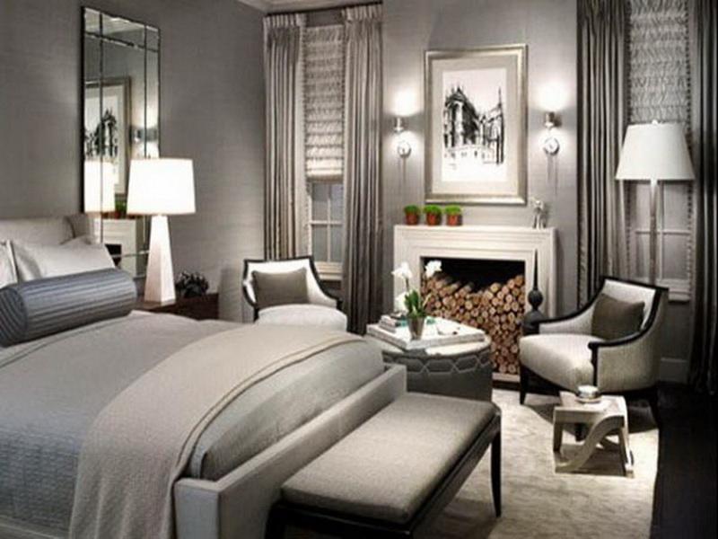 Farbe Taupe - schlafzimmer grau- graue bettwäsche- gardinen grau- sitzbank vor dem bett
