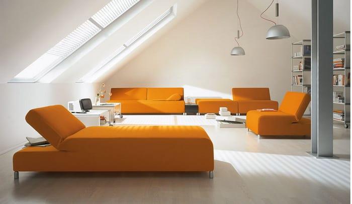 Wohnzimmer im Dachraum- Bettsofa