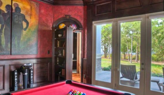 versteckt geheimt r in der wohnung freshouse. Black Bedroom Furniture Sets. Home Design Ideas