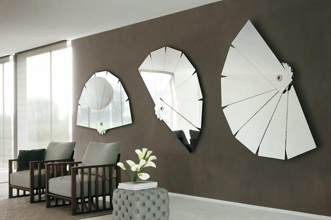 taupe farbe- farbgestaltung wände-lederhocker grau-holzsessel mit grauen polsterkissen