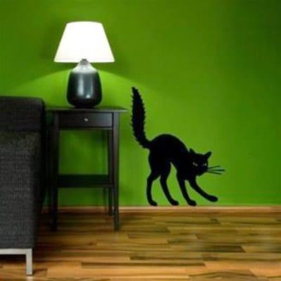parkett boden- schwarze Nachttisch mit nachtleuchte