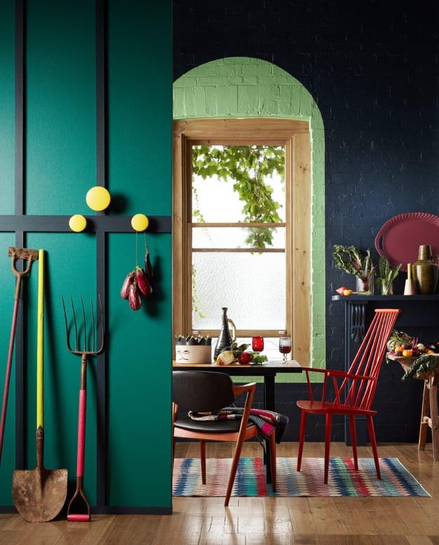 Wandgestaltung gr n freshouse for Wandfarbe deep