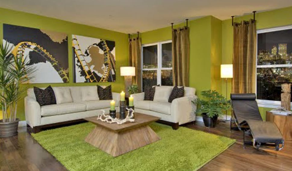 Wohnzimmer farbgestaltung- teppich grün-schwarze liege- wanddeko idee