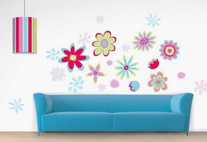 kinderzimmer wandgestaltungsidee- blaue sofa