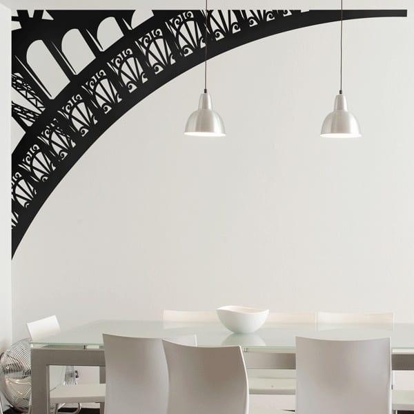 Esszimmer einrichten- wand gestalten - weiße esstisch mit weißen stühlen