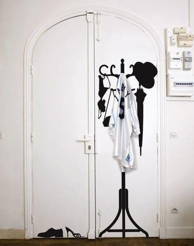 flur einrichten-kreative kleiderständer- vintage wand gestaltung
