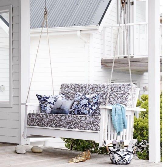 terrassen und gartengestaltung mit schaukel freshouse. Black Bedroom Furniture Sets. Home Design Ideas