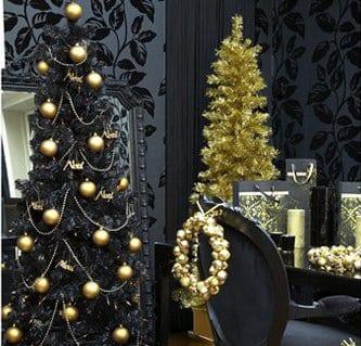 kunstweihnachtsbaum mit goldener deko