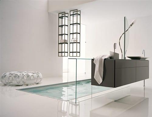 modernes Badezimmer - einrichten Badezimmer mit freistehende Waschtisch und Spiegel