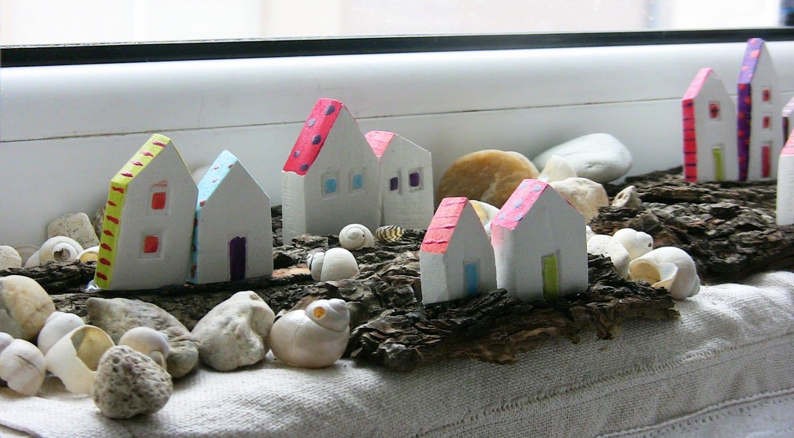 deko idee mit häusern aus erdtone