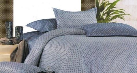 schlafzimmergestaltung mit bettwäsche blau