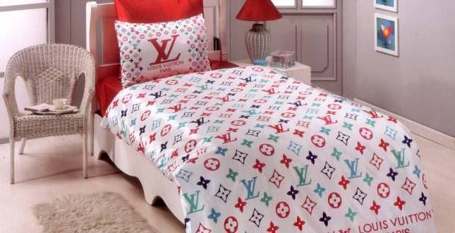 louis vuitton betw sche wei und rot freshouse. Black Bedroom Furniture Sets. Home Design Ideas