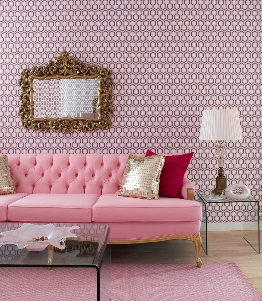 modernes wohnzimmer mit sofa altrosa und couchtisch acrylglas
