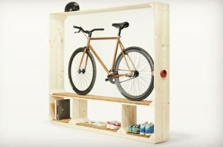 schuhschrank aus holz für aufbewahrung von Fahrrad