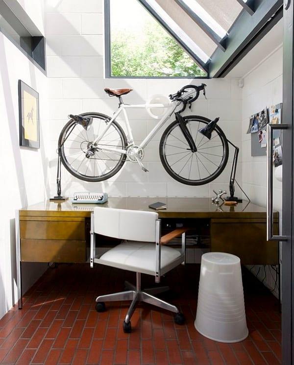 kleines Büroraum einrichten- schreibtisch holz-drehstuhl weiß