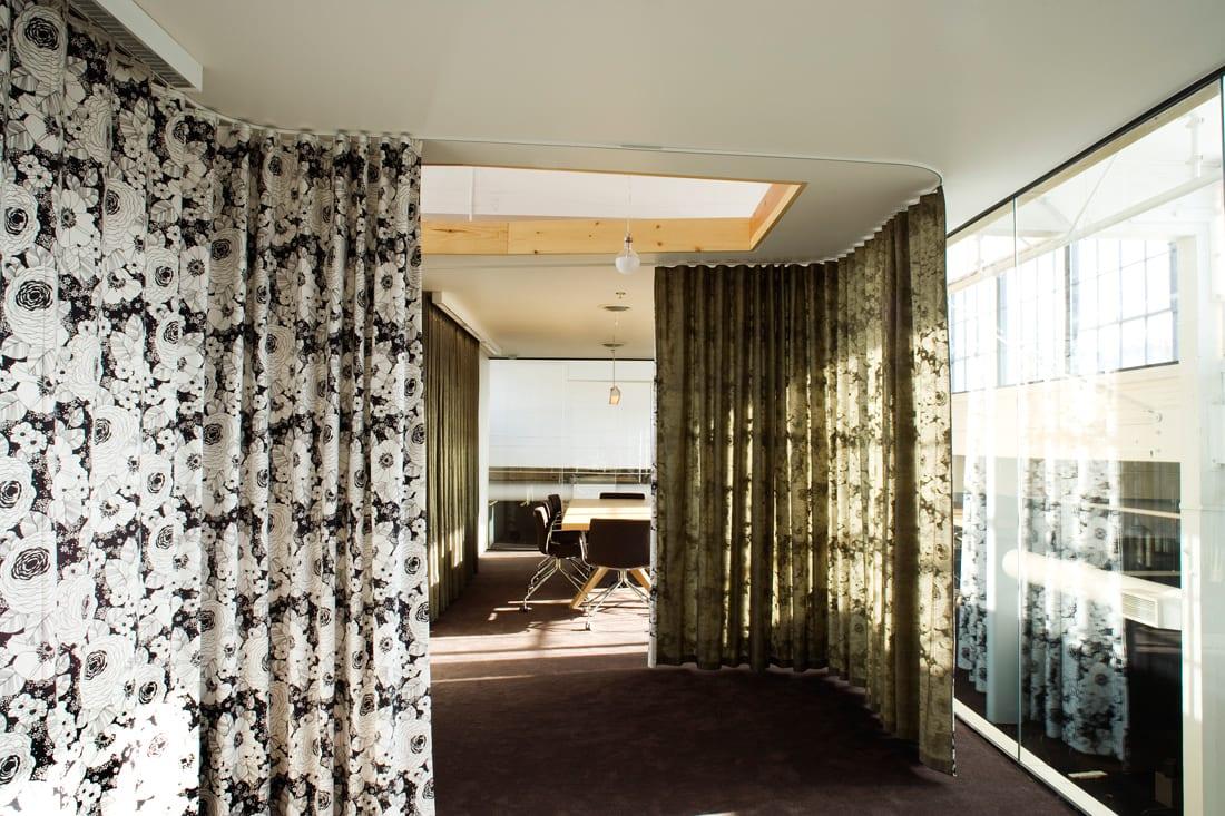 Astounding Büro Ideen Ideen Von Das Büro Mit Gardinen Als Raumteiler