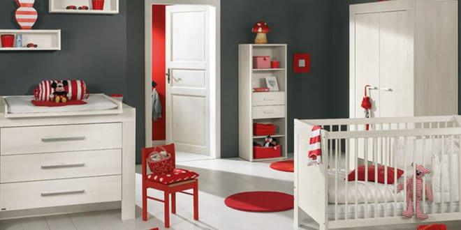 babyzimmer gestalten in grau und rot - freshouse - Kinderzimmer Rot Grau