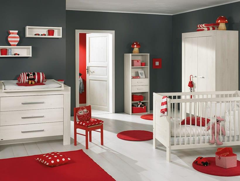 kinderzimmer mit grauen wänden und weißen kindermöbeln und boden-kinderzimmer teppich rot