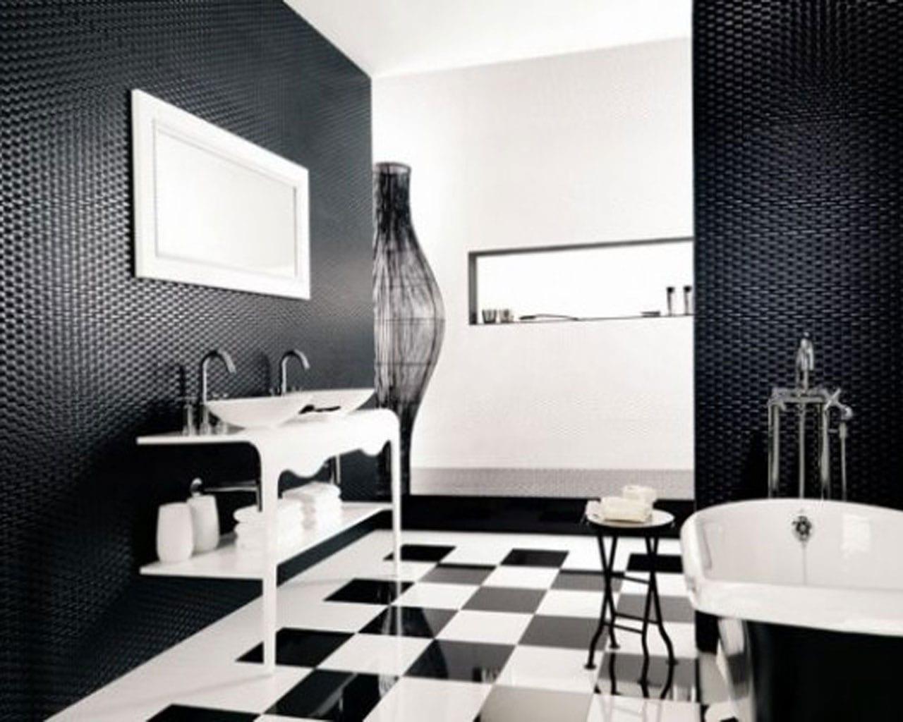 badezimmer mit schwarzen wänden und fliesenboden mit schwarz weißen quadraten-badezimmerspiegel