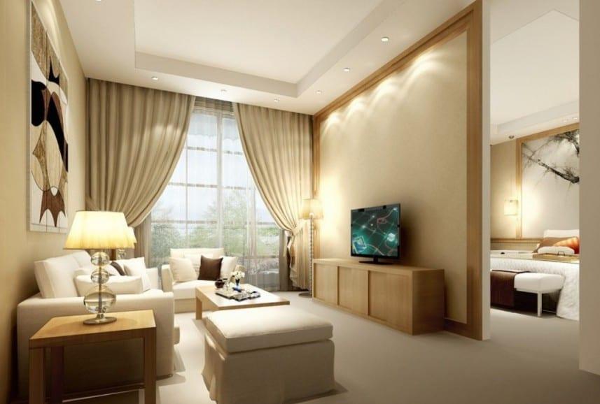 modernes wohnzimmer einrichten mit weißen seats and sofas und holztischen-beige gardinen gestaltungsvorschläge