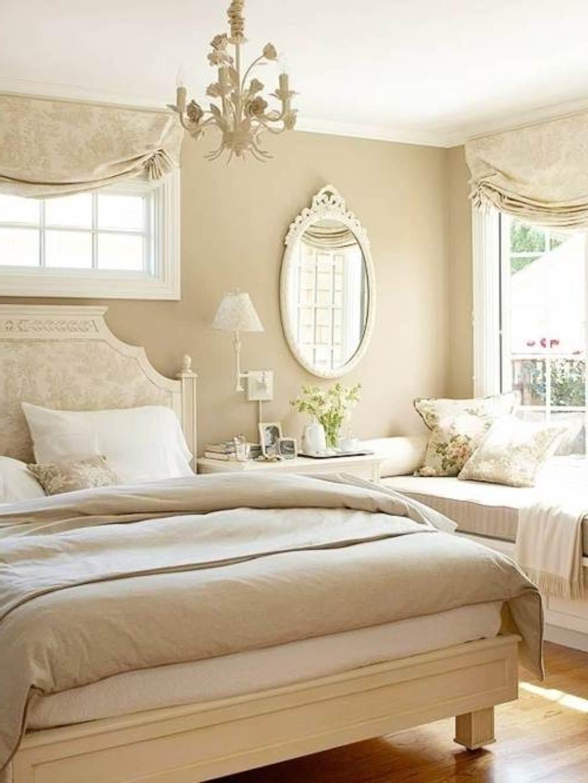 schlafzimmer romantisch mit batt und wände in Beige-gardinen dekorationsvorschläge
