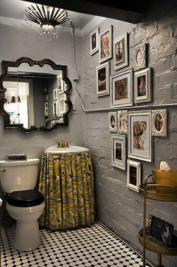 modernes badezimmer mit wandfarbe grau und wandspiegel