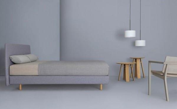 schlafzimmer grau mit wandfarbe grautöne- weiße pendelleuchten