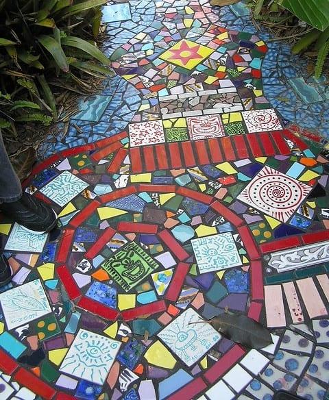 gartenideen mit mosaik gartenwege