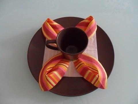 tisch eindecken mit servietten