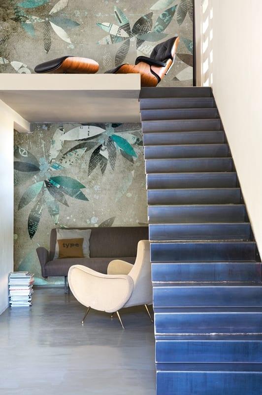 mezzanine interior design mit wandgestaltung in grün- kleines wohnzimmer einrichten