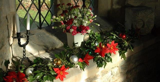 Fensterbank dekorieren mit weihnachtsstern freshouse - Weihnachtsstern dekorieren ...