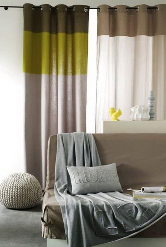 bettsofa beige mit bettdecke grau-gardinen grau und grün-gardinen braun und weiß