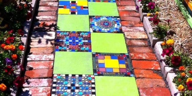 gartenweg mit mosaik und pflastern freshouse. Black Bedroom Furniture Sets. Home Design Ideas