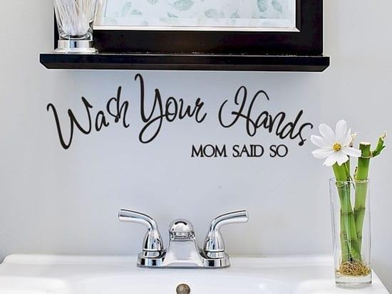 badezimmer wandgestaltung mit lustigen sprüchen