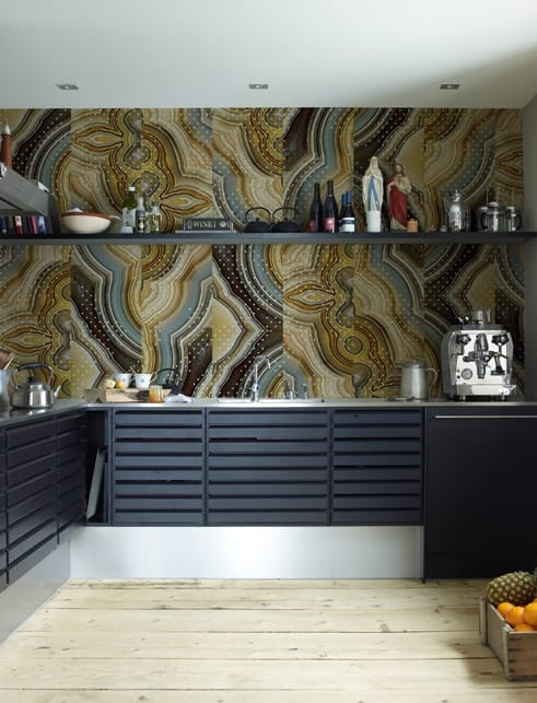 wandgestaltung küche mit tapete